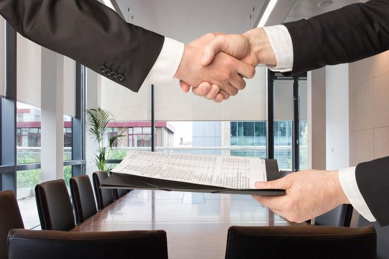 внесение изменений в устав ООО, рукопожатие