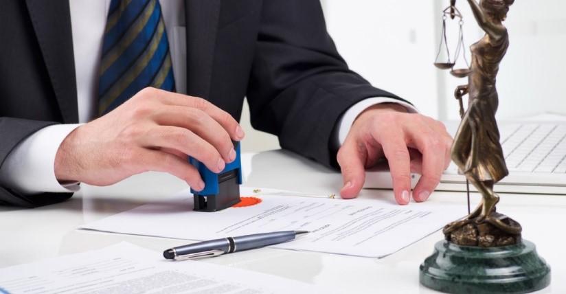 Статуэтка, печать, консультация юриста